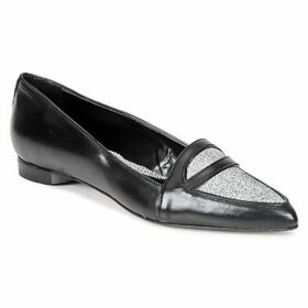 Bata  BADI  women's Loafers / Casual Shoes in Black