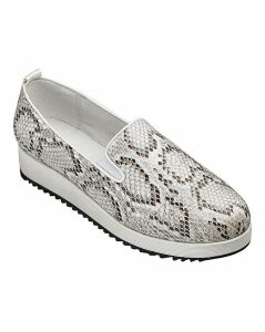 Heavenly Soles Slip On Shoes D Fit