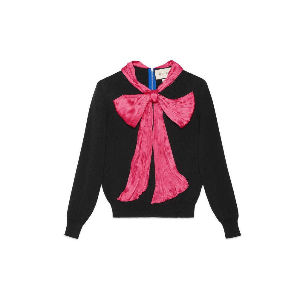 Cashmere top with bow