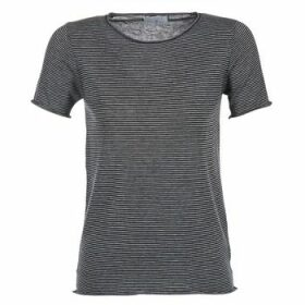 Casual Attitude  GENIUS  women's T shirt in Grey