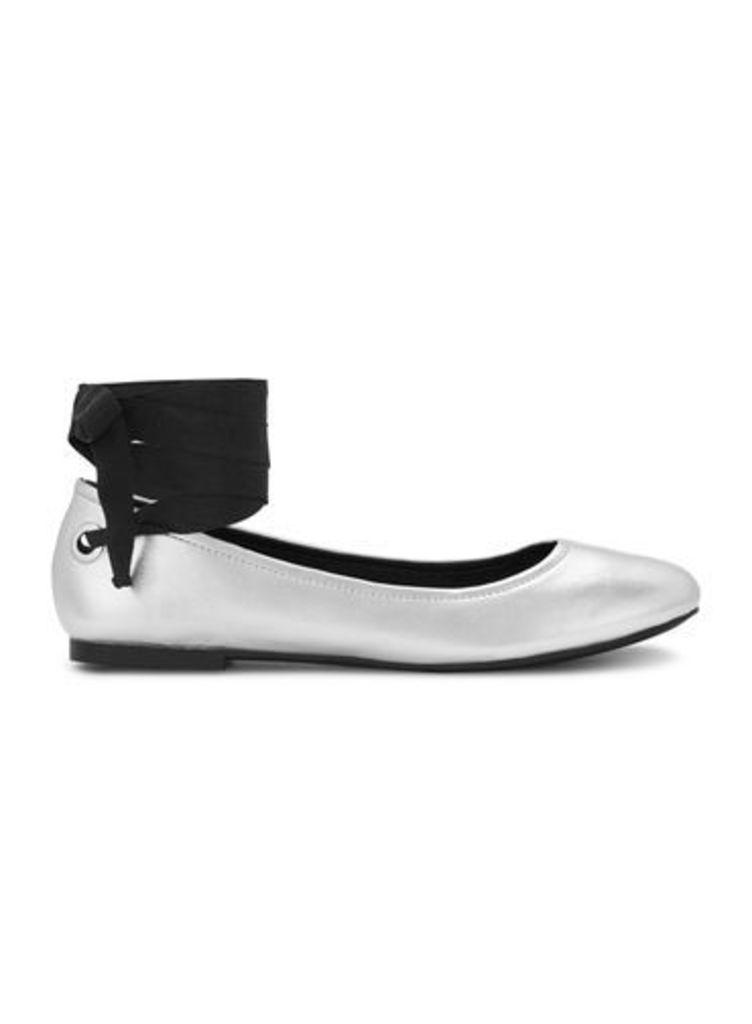 Womens EBONY Silver Ballet Flats, Silver