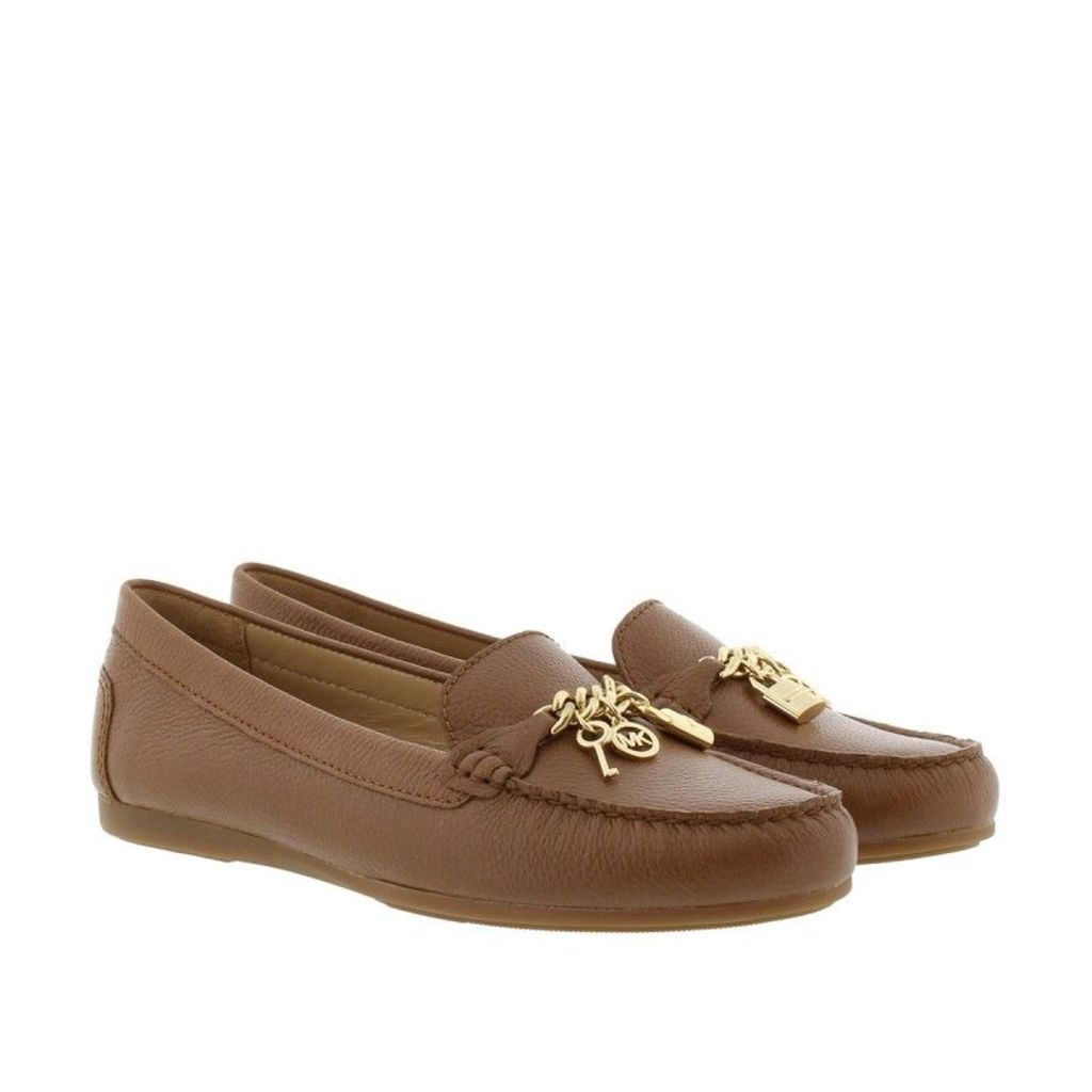 Michael Kors Loafers & Slippers - Suki Leather Moccassin Lugagge - in cognac - Loafers & Slippers for ladies