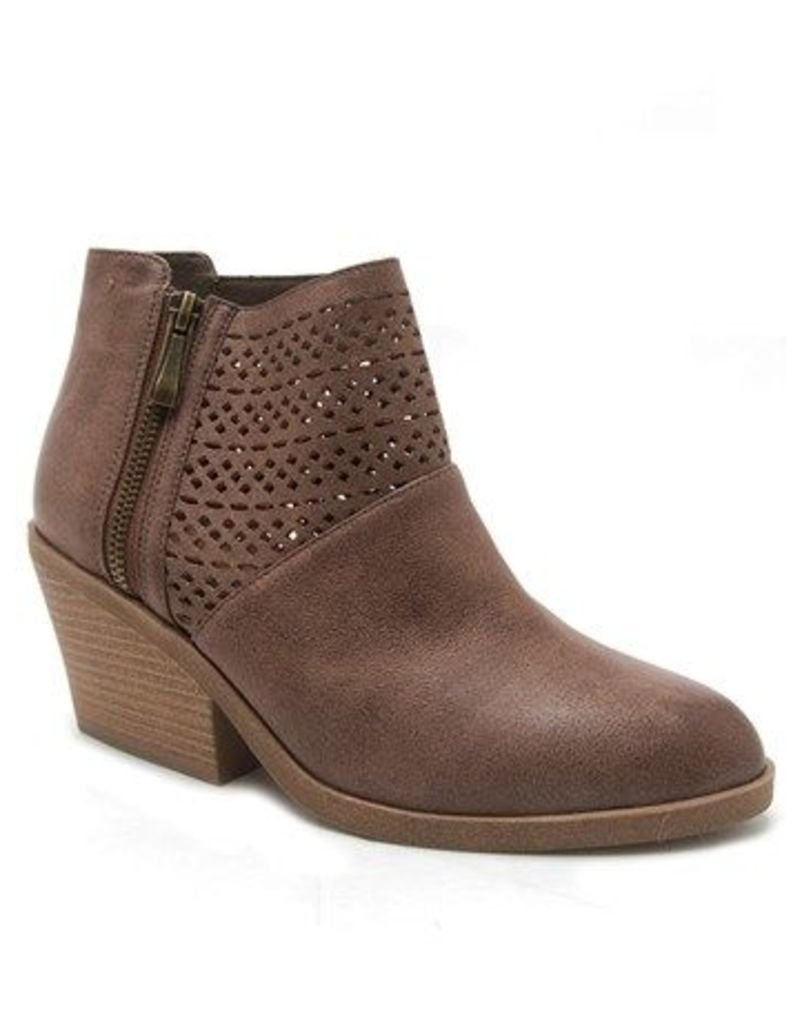 Qupid Cutout Ankle Boots