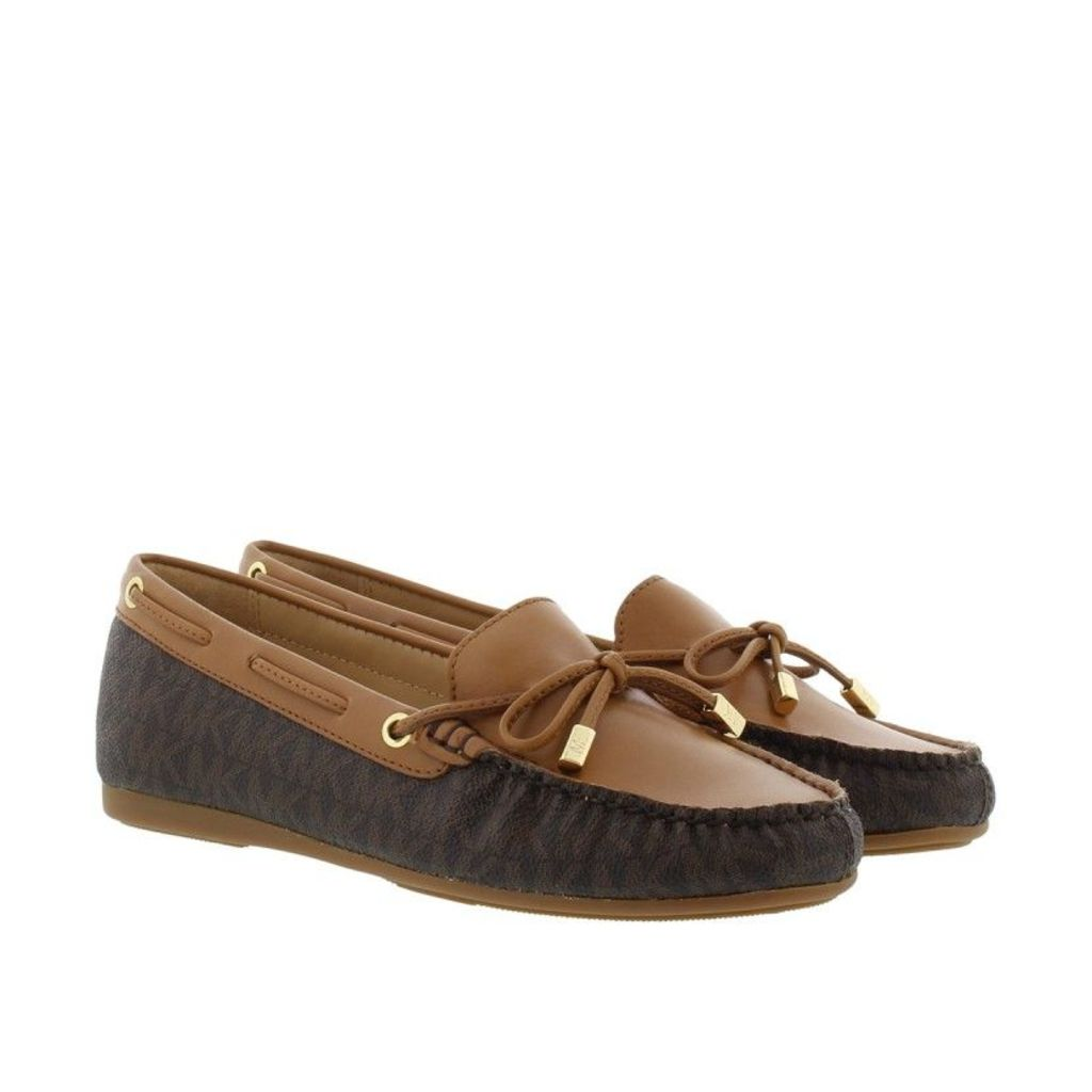 Michael Kors Loafers & Slippers - Sutton Mocassin Mini MK Logo Brown - in brown - Loafers & Slippers for ladies