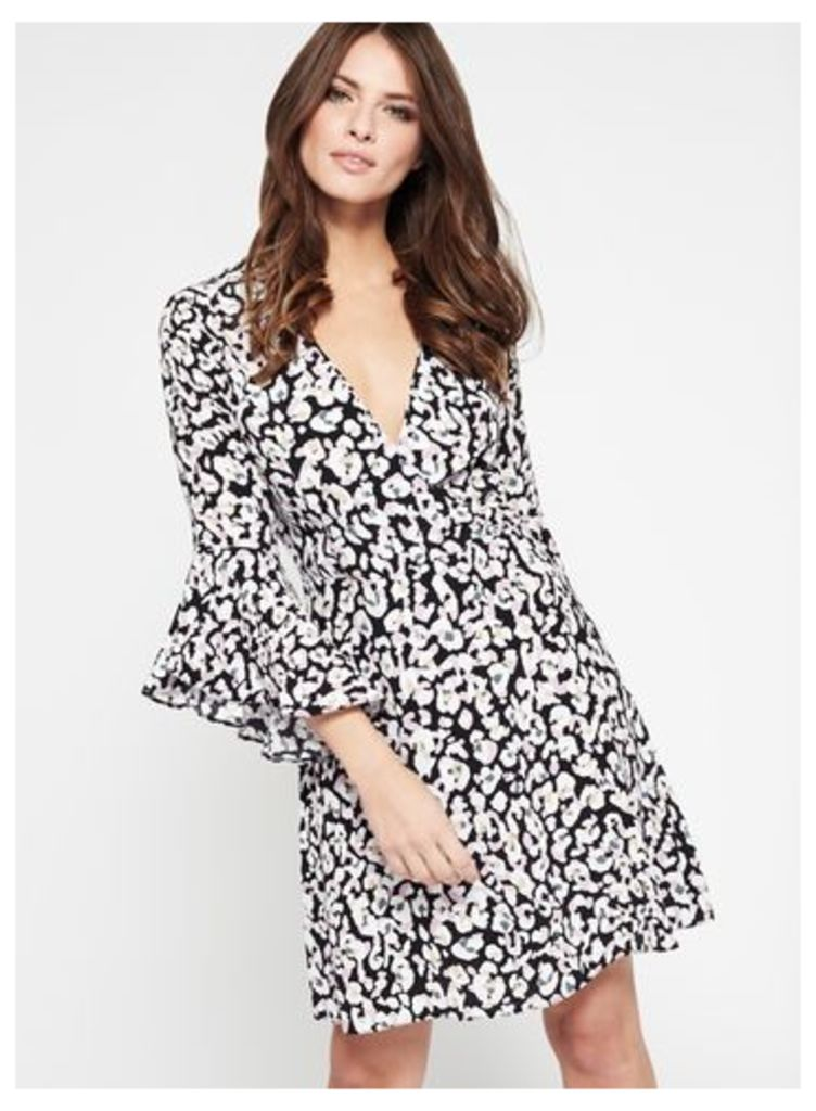 Womens Animal Print Flute Sleeve Wrap Dress, Assorted