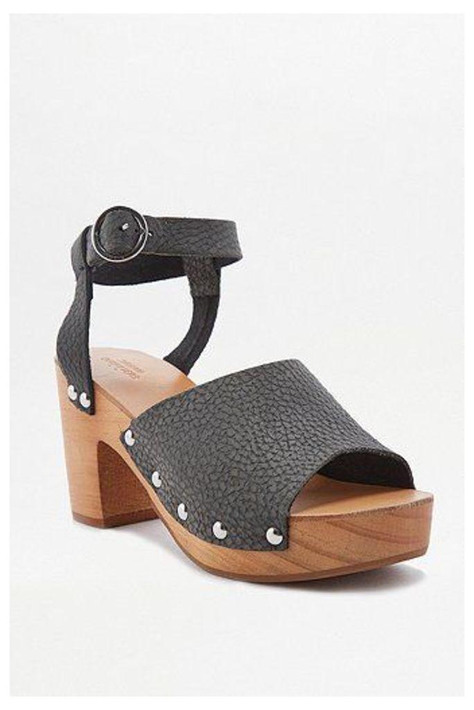 Lucy Black Wooden Heels, Black