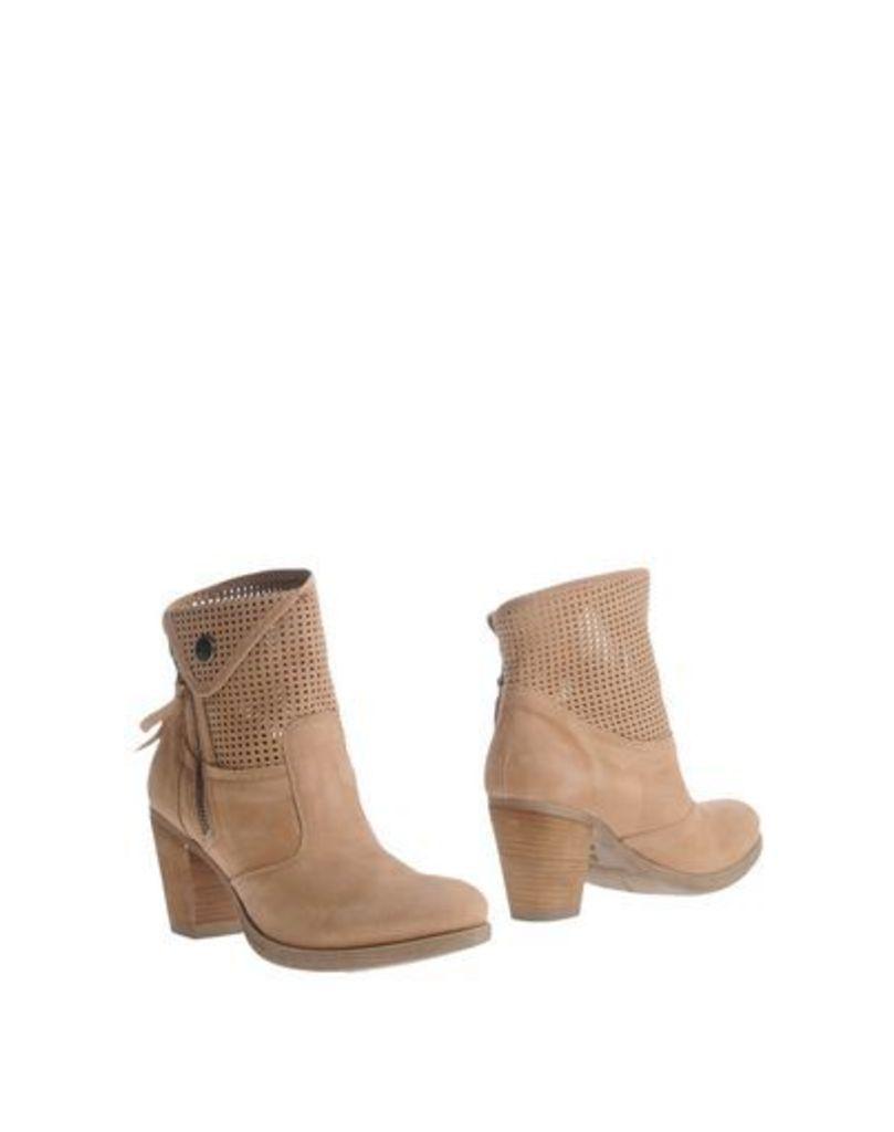 NERO GIARDINI FOOTWEAR Ankle boots Women on YOOX.COM