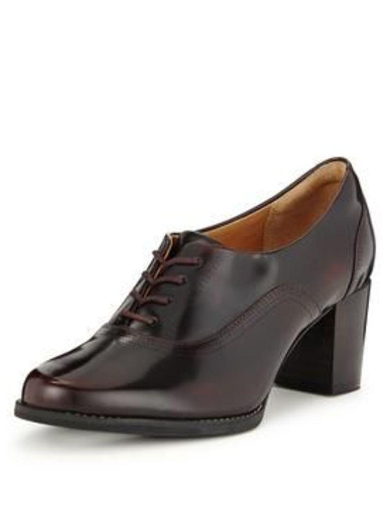 Clarks Tarah Victoria Heeled Brogue, Burgundy Leather, Size 5, Women