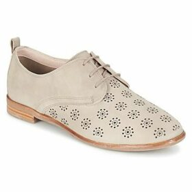 Clarks  ALANIA POSEY  women's Casual Shoes in Beige