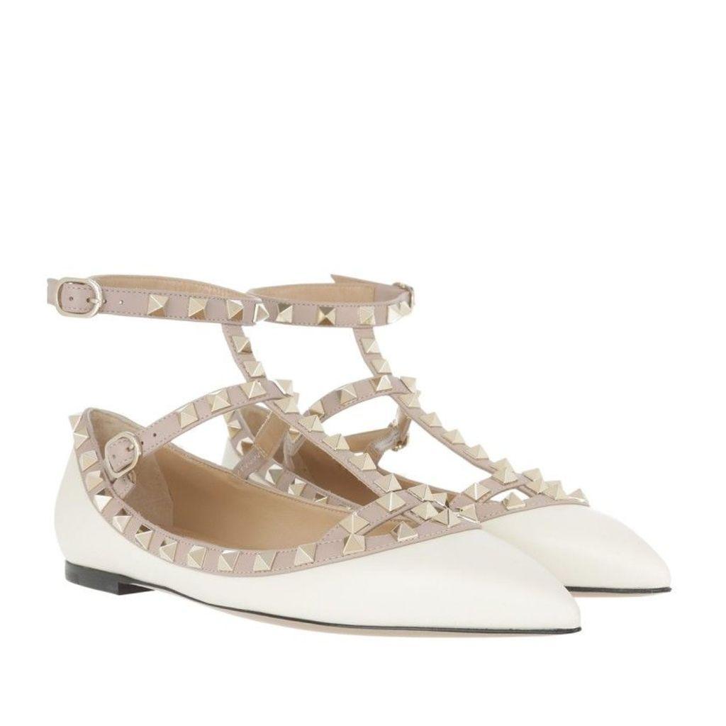 Valentino Ballerinas - Rockstud Rolling Ballerina Light Ivory - in beige - Ballerinas for ladies