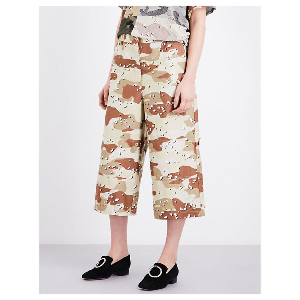 Camouflage-print cotton trousers