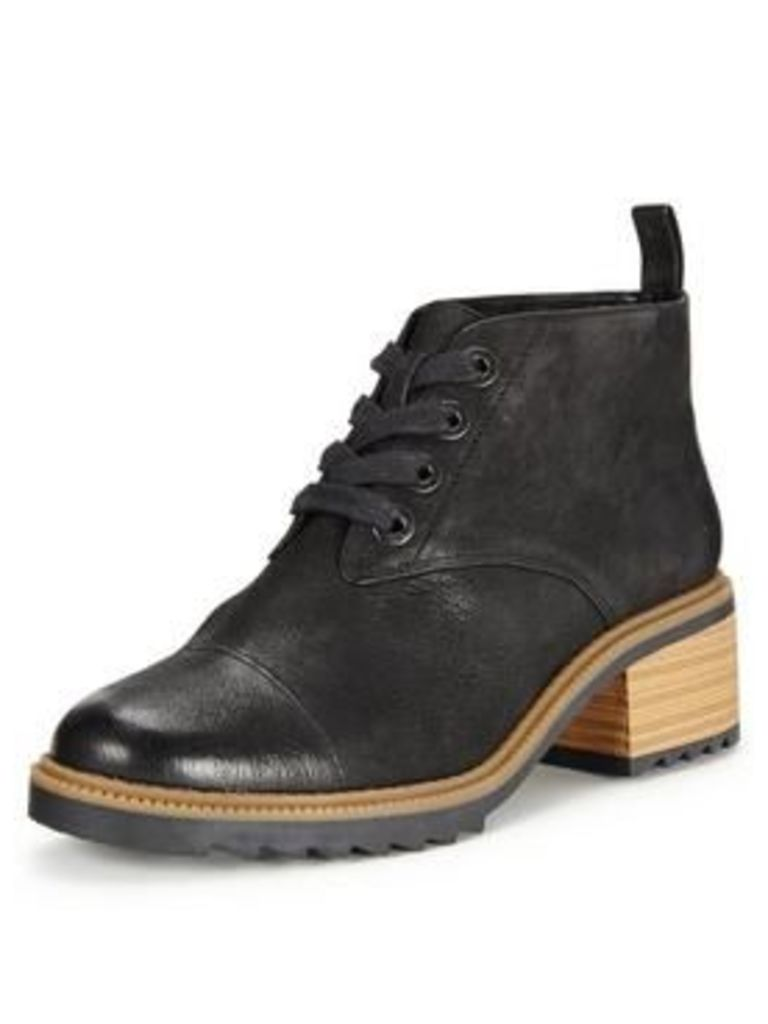 Clarks Balmer Thea Lace Up Heeled Ankle Boot - Black, Black Leather, Size 5, Women