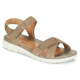 Clarks  UN SAFFRON  women's Sandals in Brown