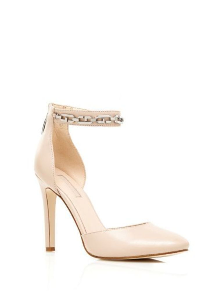 Guess Jolee Court Shoe With Chain