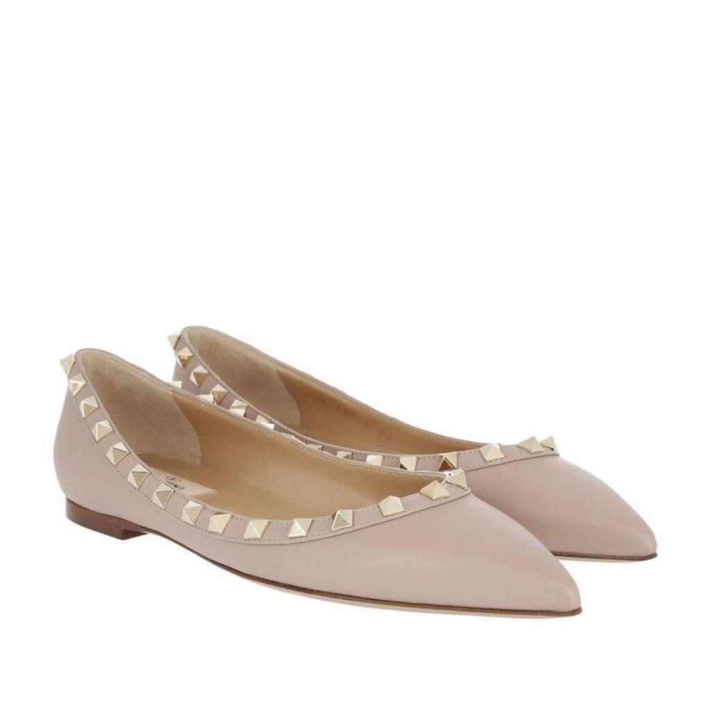 Valentino Ballerinas - Rockstud Ballerina Poudre - in beige - Ballerinas for ladies