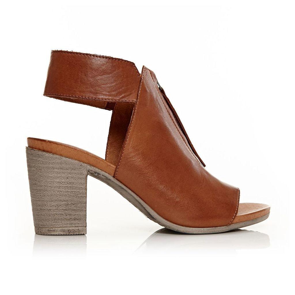 Moda in Pelle Laia Tan Medium Casual Sandals