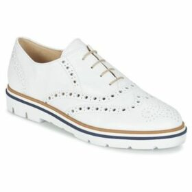 Gabor  TIOU  women's Casual Shoes in White