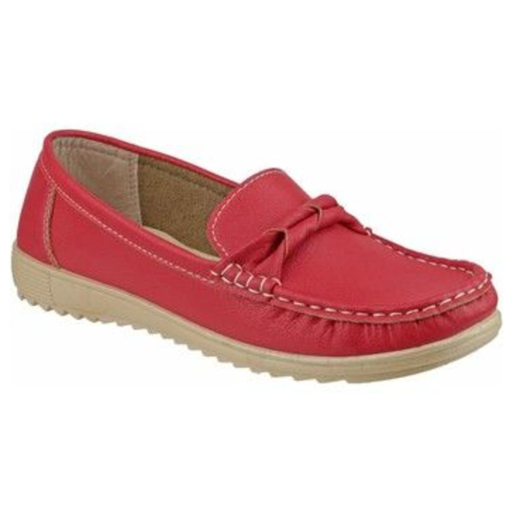 Fleet   Foster  Paros  women's Loafers / Casual Shoes in Red