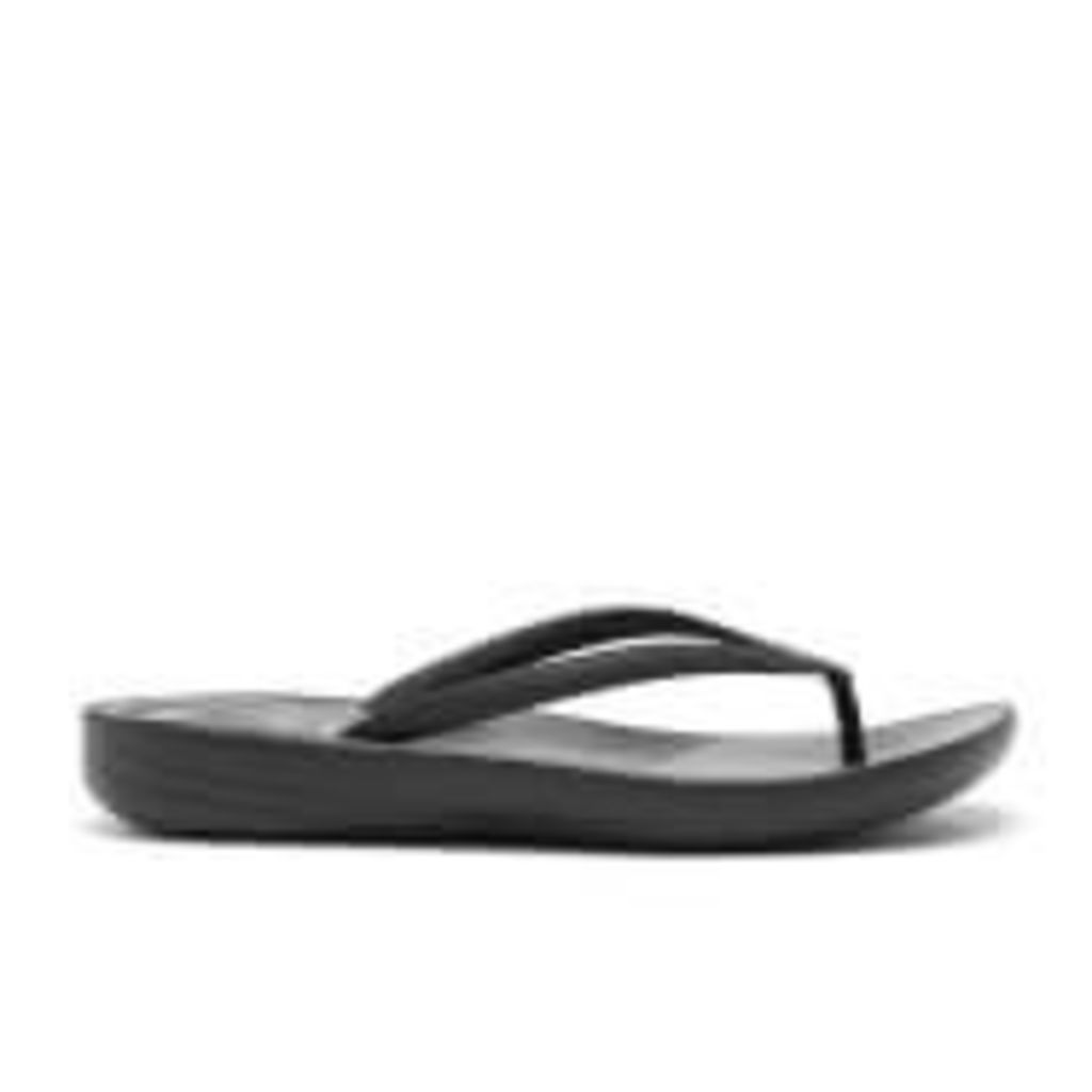 FitFlop Women's Iqushion Ergonomic Flip Flops - All Black