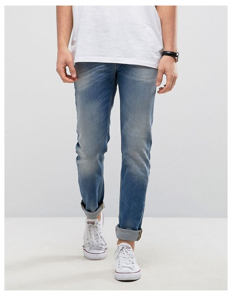 United Colors of Benetton Slim Fit Jeans in Light Washed Denim With Distressing - Washed blue 869