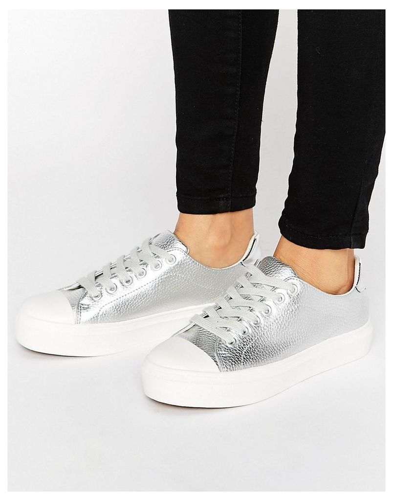 Blink Soft Toecap Lace Up Trainer - Silver