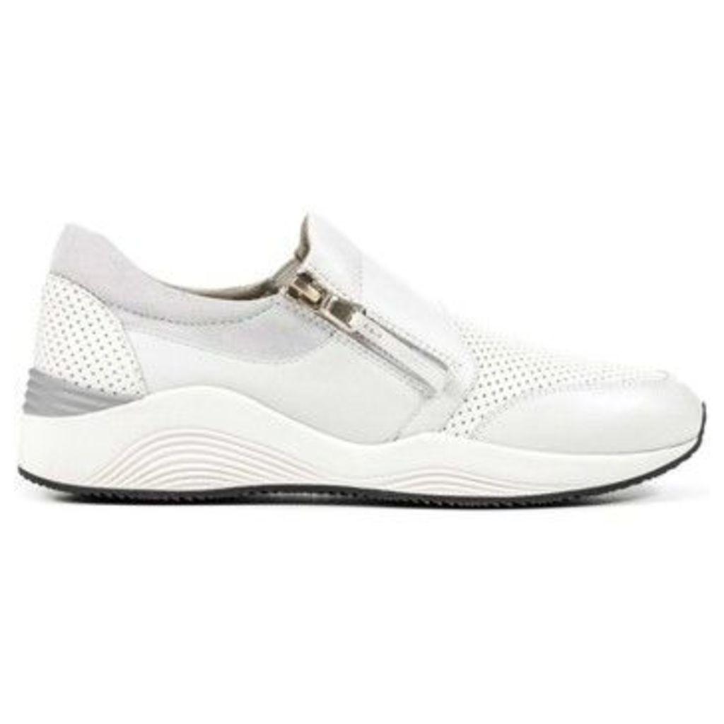 Geox  D620SA 00085 Sneakers Women  women's Walking Boots in white