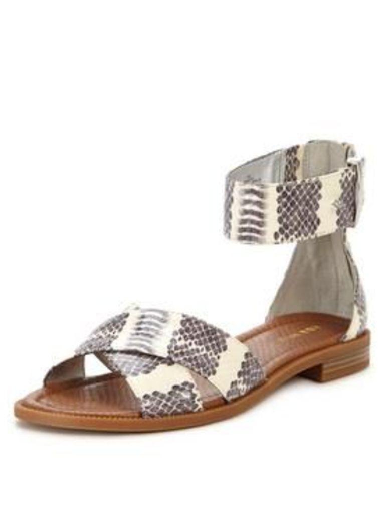 Nine West Nine West Xen3 Flat Sandal With Ankle Strap