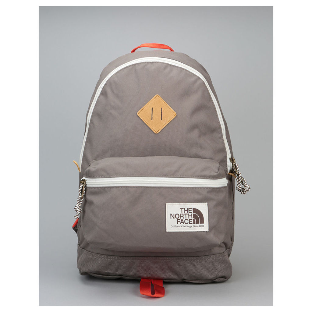 The North Face Berkeley Backpack - Falcon Brown/TNF Black (One Size Only)