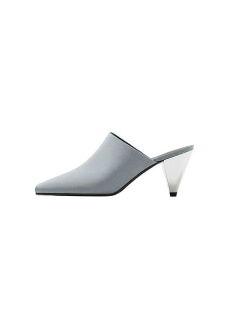 Geometric heel shoes