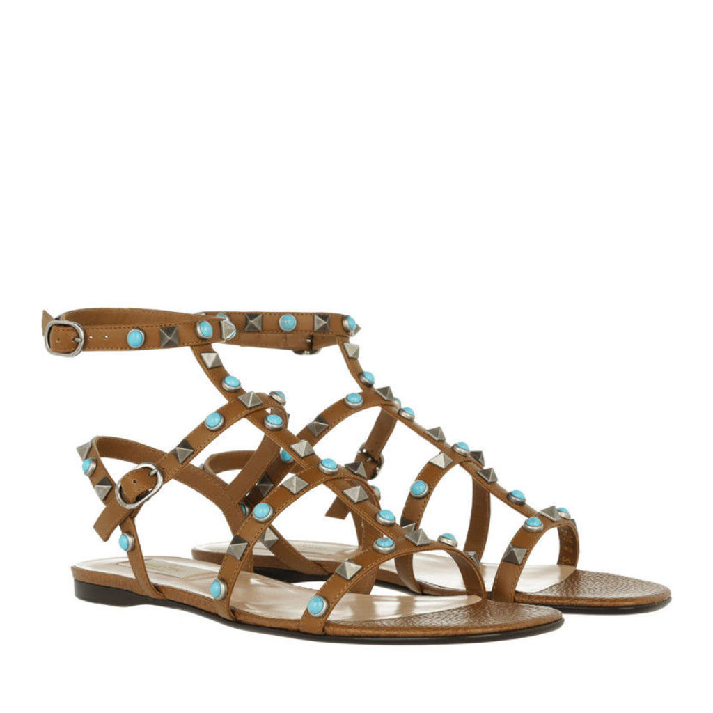 Valentino Sandals - Rockstud Flat Sandal Bright Cuir - in brown - Sandals for ladies