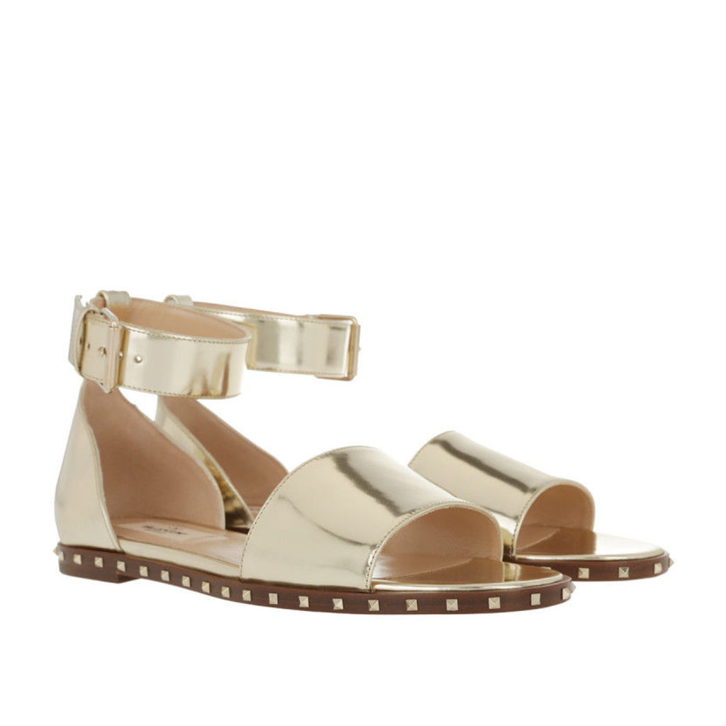 Valentino Sandals - Rockstud Soul Flat Ankle Strap Sandal Platino - in gold - Sandals for ladies