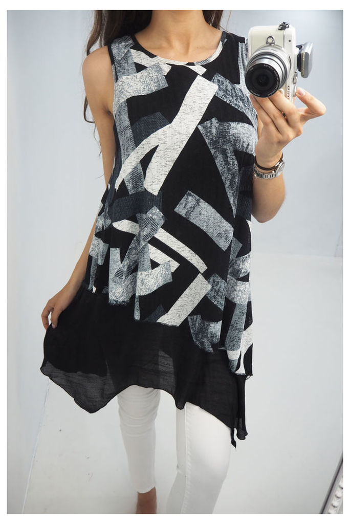 Honey printed drape hem vest