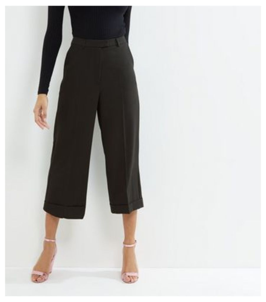 Black Turn Up Hem Cropped Trousers