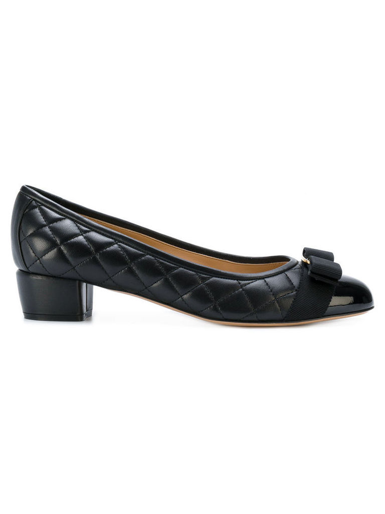 Salvatore Ferragamo - quilted Vara bow pumps - women - Leather/Nappa Leather - 8, Black