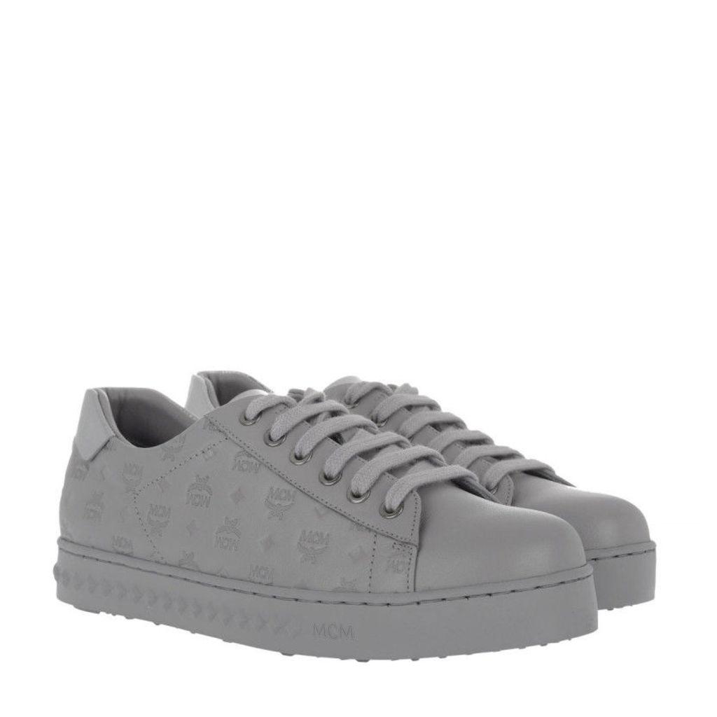 MCM Sneakers - W Embo LT Logo Sneakers Silver Shadow - in grey - Sneakers for ladies