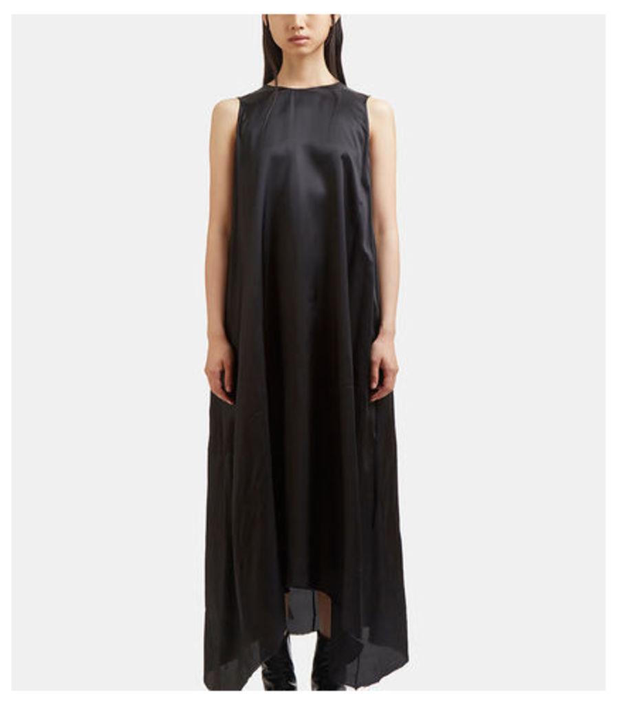 Long Lining Raw-Cut Sleeveless Dress