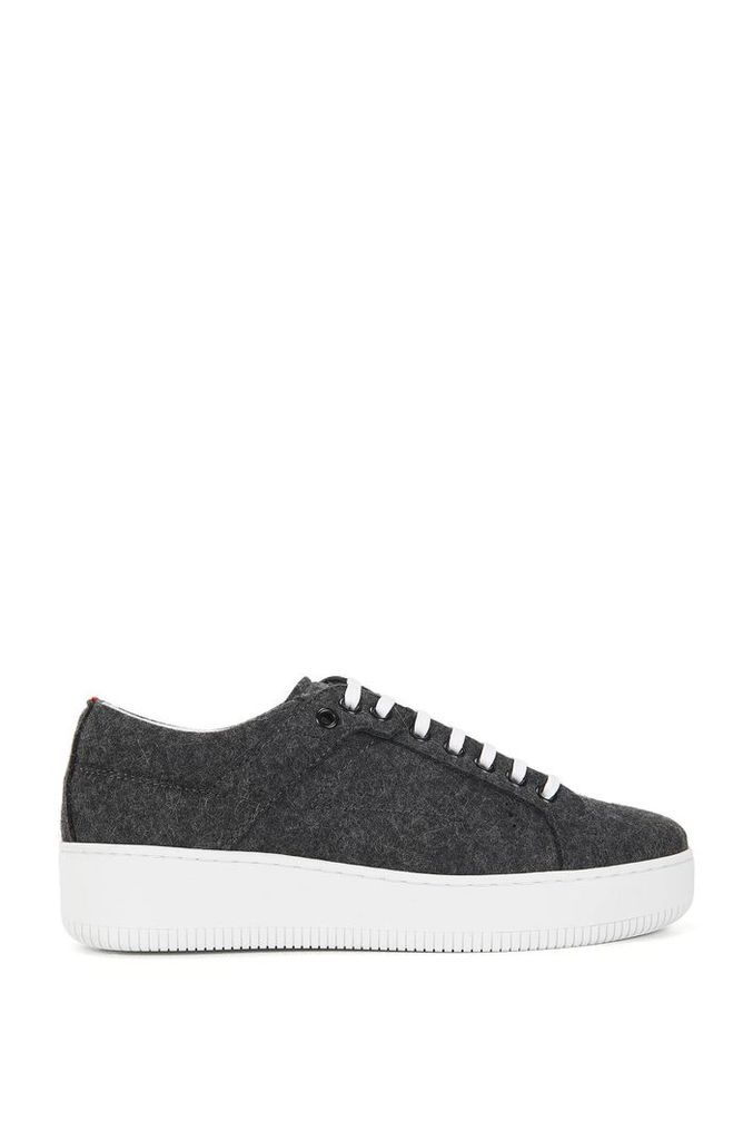 Lace-up trainers in wintry wool