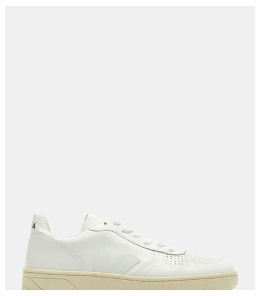 V10 Low-Top Leather Sneakers
