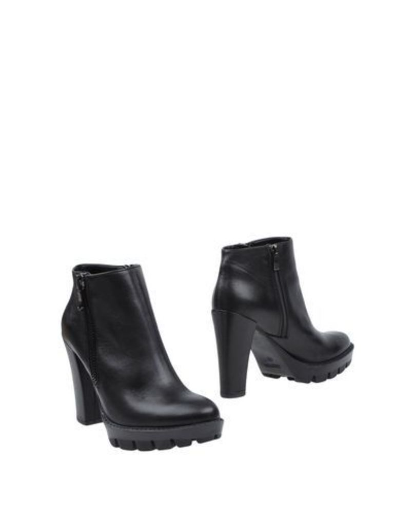 L'AMOUR FOOTWEAR Ankle boots Women on YOOX.COM