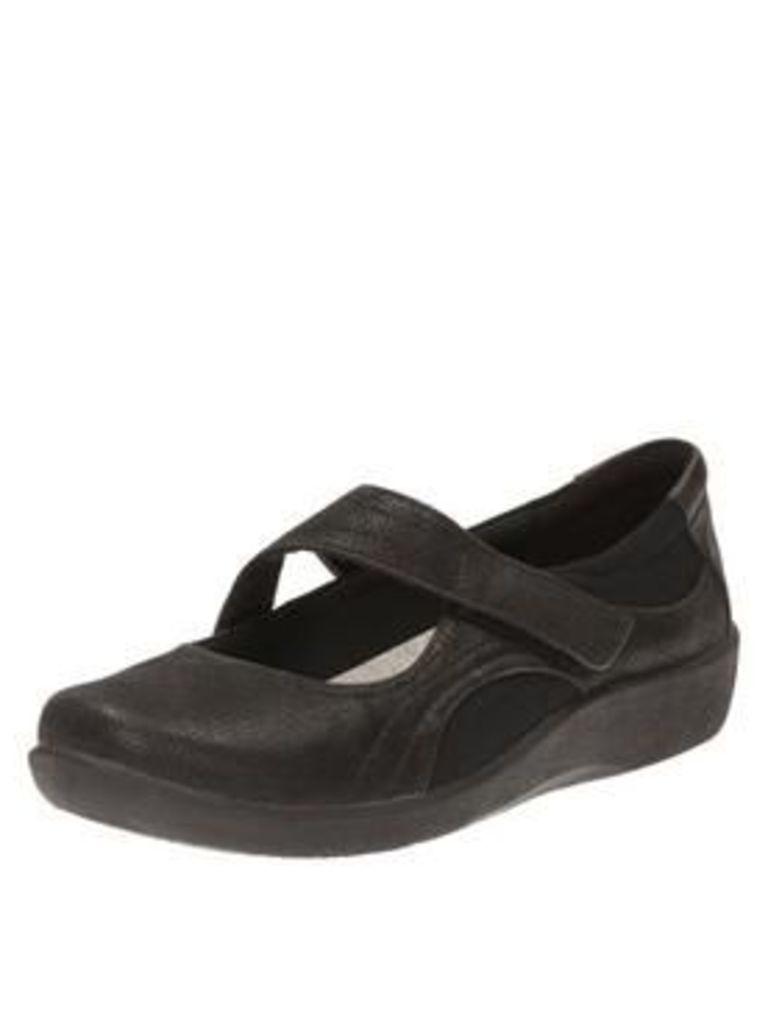 Clarks Sillian Bella Wedge Shoe, Black, Size 7, Women