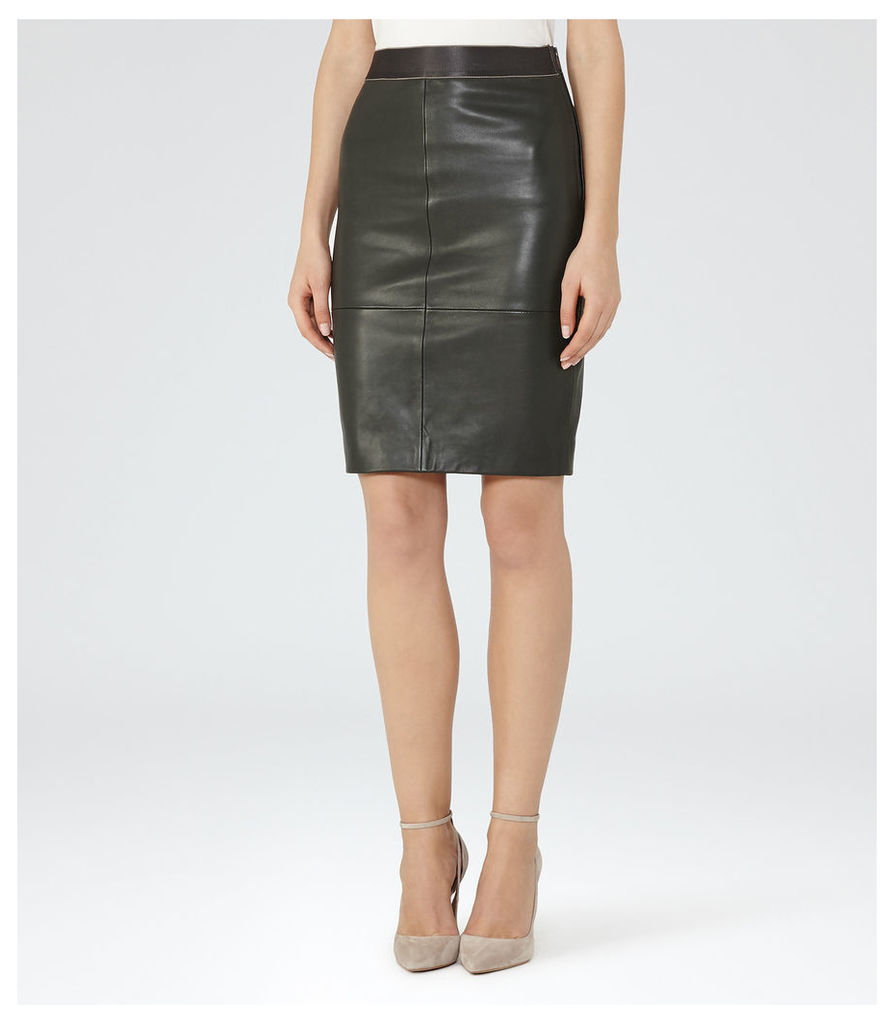 REISS Tami - Leather Pencil Skirt in Green, Womens