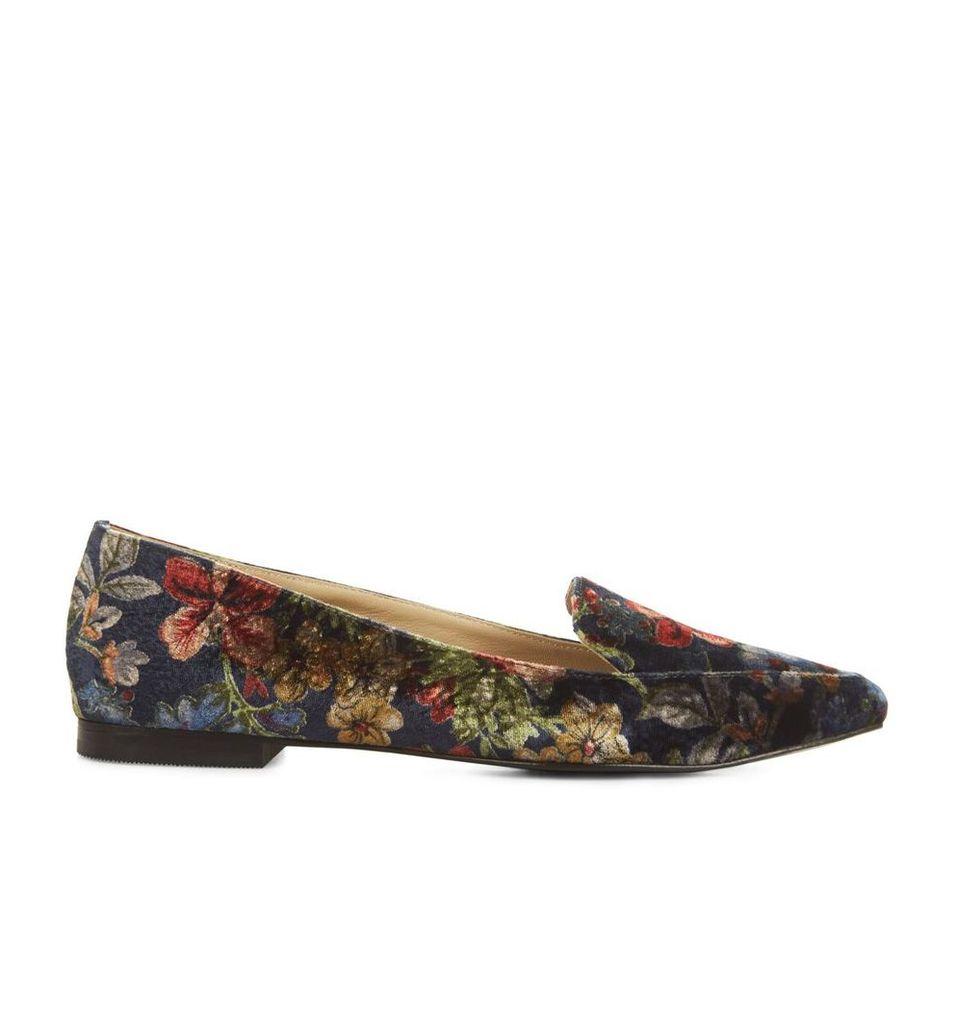 Regalia Shoe