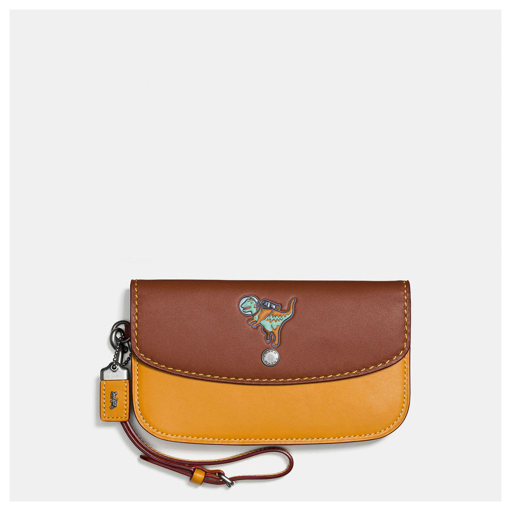 Coach Clutch In Glovetanned Leather With Embossed Space Rexy