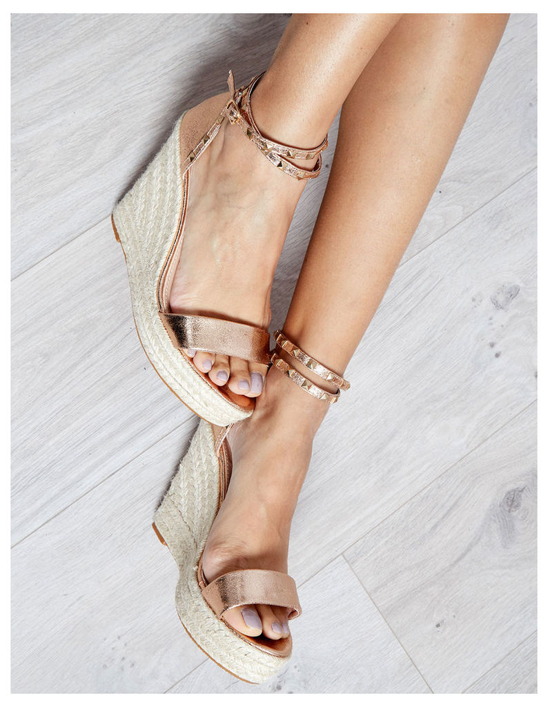SABINA - Champagne Studded Ankle Wedges