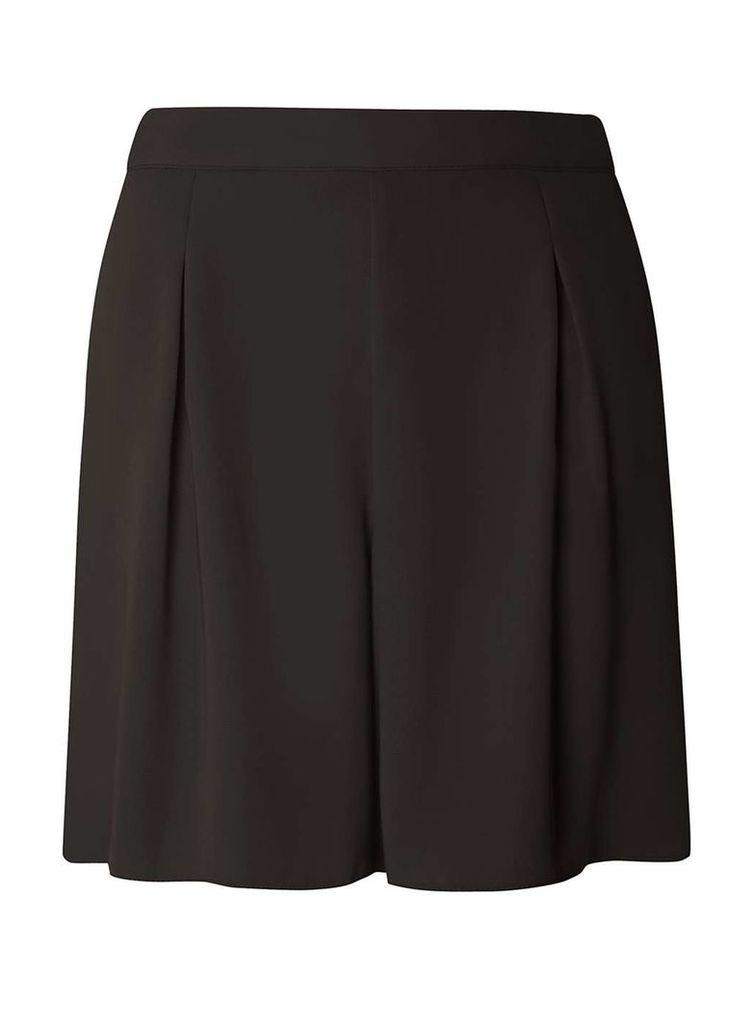 Womens Black Pleat Front Shorts- Black