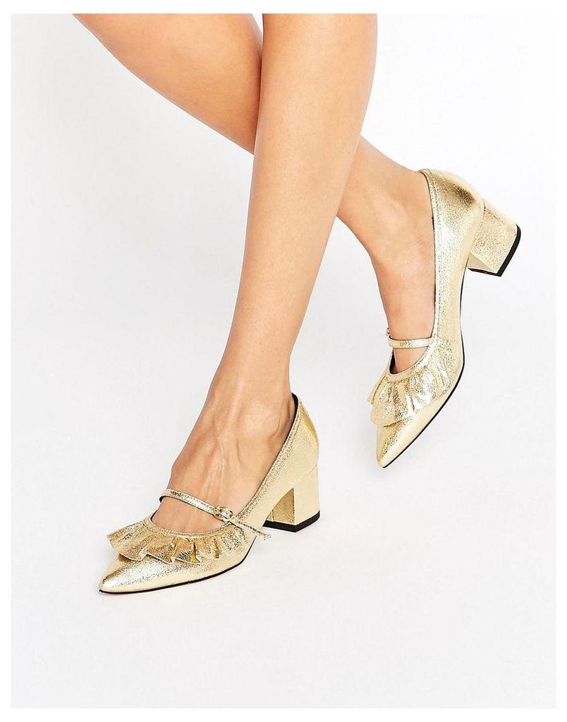 ASOS SWEET TREAT Ruffle Pointed Heels - Gold