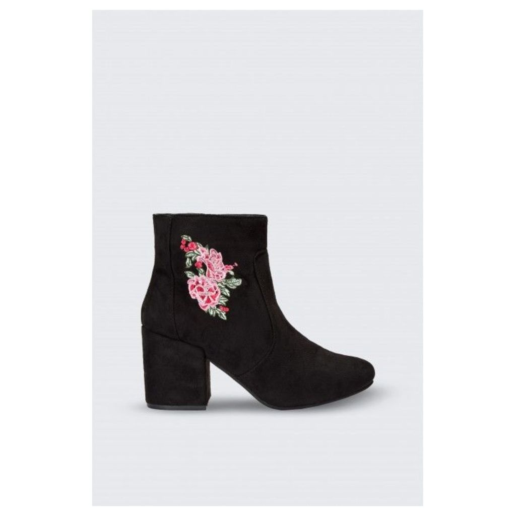 EMBROIDERED BLOCK HEEL ANKLE BOOT