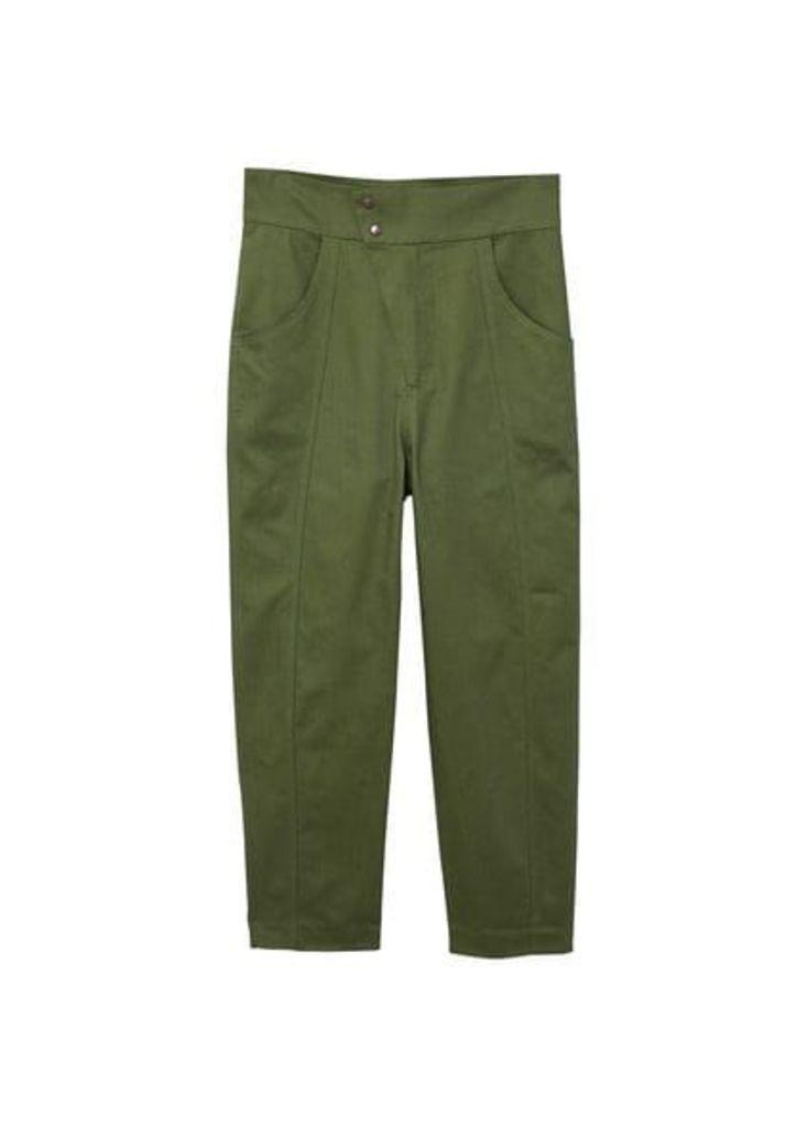 Asymmetric fastening trousers