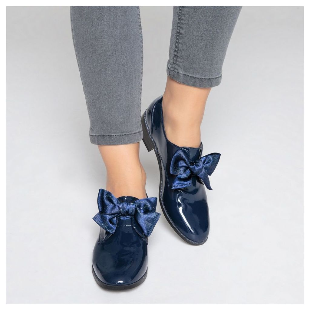 Patent Brogues with Bow Detail