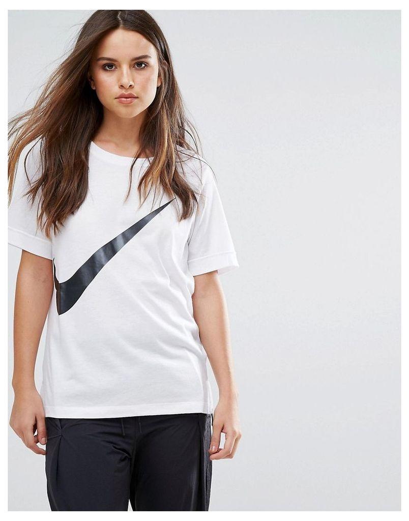 Nike Swoosh T-Shirt In White - White